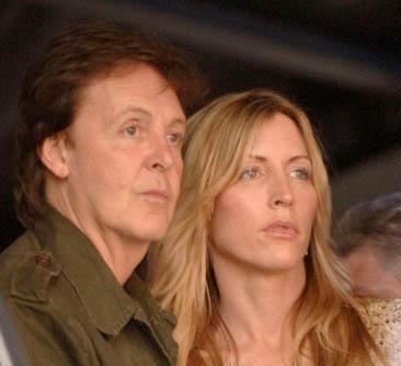 Paul McCartney ile kendisinden 26 yaş genç eşi Heather Mills bir süre önce tartışmalı bir şekilde boşandı.
